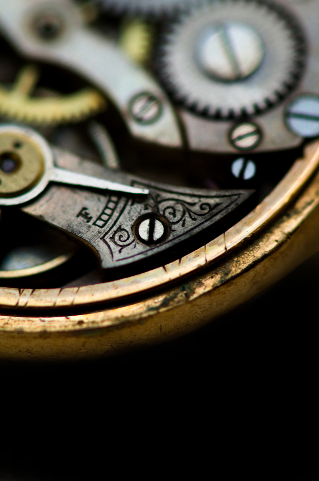 What You Need To Know About Antique Diamond Watches